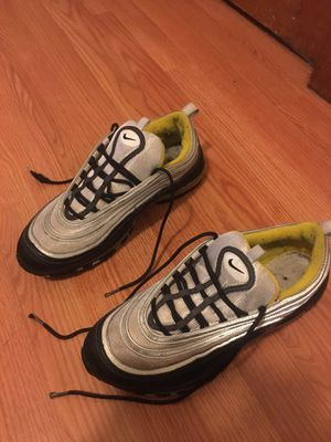 Air max 97 Black and yellow for Sale in Oak Park, IL