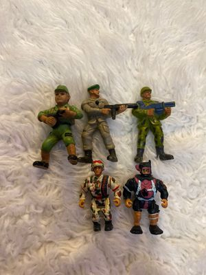 five vintage soldiers action figures for Sale in Fayetteville, NC