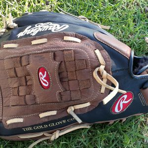 Rawlings Lefty Ball Glove for Sale in San Diego, CA