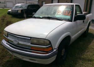 99 Chevy S10 138k for Sale in Lakeland, FL
