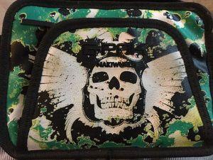 Nintendo 3ds skull case for Sale in Los Angeles, CA