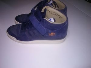Men's Adidas 11.5 high top shoes for Sale in Wichita, KS