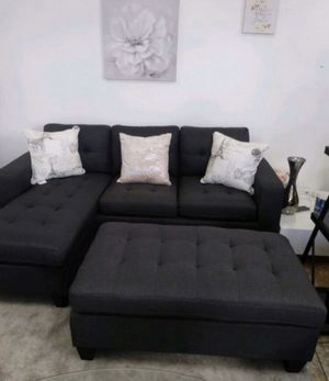 """New in box dark grey sectional sofa( includes ottoman) 81""""×60"""" for Sale in Paramount, CA"""