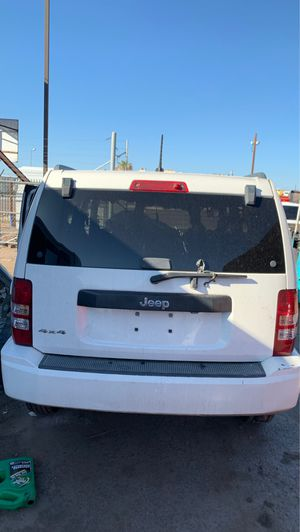 Parting out Jeep Liberty for Sale in Phoenix, AZ