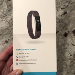 Fitbit Alta - Plum Band for Sale in Chicago, IL