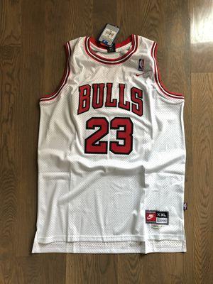 Nike Chicago Bulls Michael Jordan Swingman Jersey — White, XXL for Sale in Dallas, TX