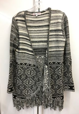 Women's sweater for Sale in Lakewood, WA