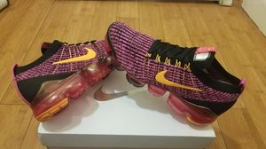 Nike Air Vapormax size 7.5 for women. for Sale in Paramount, CA