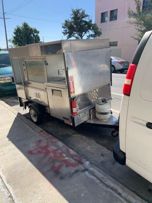 Small food vendor too cook broil etc for Sale in Los Angeles, CA