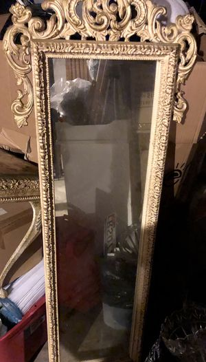 Antique mirror and stand for Sale in Atlanta, GA