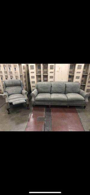 Sala de piel color gris for Sale in Apple Valley, CA
