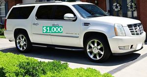 💲1OOO 2OO8 Cadillac Escalade Nice Family car for Sale in Hartford, CT