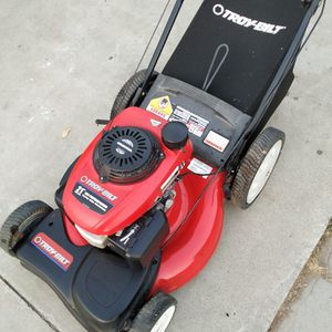 """Honda (21"""") (ez start) ( Self propelled ) lawn mower ( ready to mow ) for Sale in Anaheim, CA"""