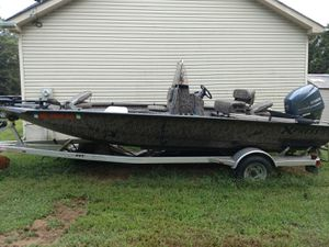 Xpress H 20 Bay Boat Yamaha 115 Four Stroke Custom Backtrack aluminum trailer all 2014 for Sale in Centreville, MD