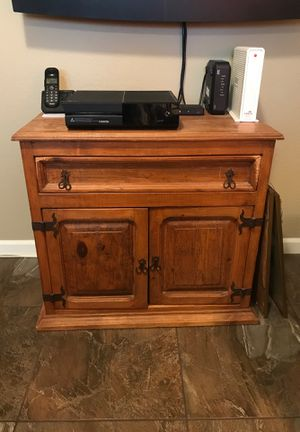 Chest / Nightstand / End Table for Sale in Fountain Hills, AZ
