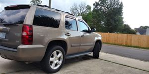 2007 chevy Tahoe LTZ 4x4 nicess for Sale in Raleigh, NC