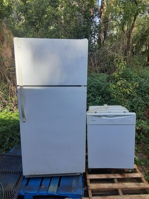 Kenmore Fridge and Fridgidaire dishwasher for Sale in Lockhart, FL