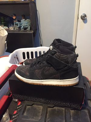 Nike Sb dunk high rainforest size 10 for Sale in Hawthorne, CA