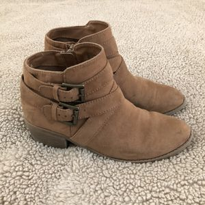 Girls Ankle Boots for Sale in Anaheim, CA