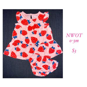 0-3 month strawberry baby dress for Sale in Wilsonville, OR