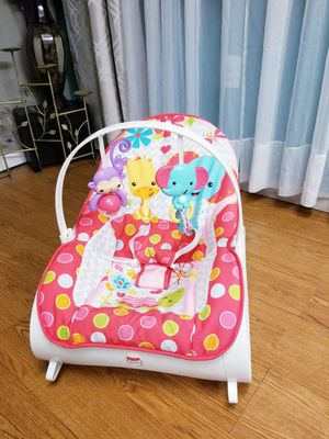 Infant to toddler rocker for Sale in Bridge City, TX