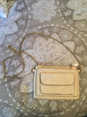 Cute off white clutch with gold chain for Sale in Spokane, WA