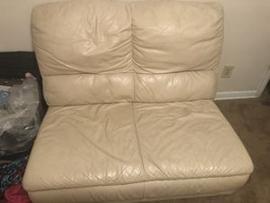 White leather couch for Sale in Garfield Heights, OH