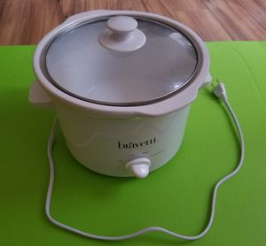 Bravetti white slow cooker / crockpot for Sale in MIDDLE CITY EAST, PA