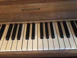 HAMILTON PIANO for Sale in Hampton, VA