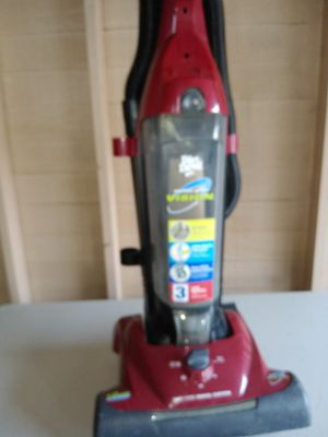 Hoover wind tunnel vacuum for Sale in Cleveland, OH