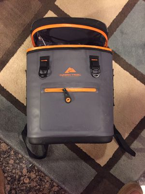 Ozark Trail backpack cooler for Sale in Chicago, IL