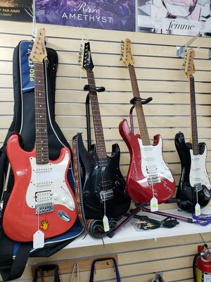 Guitars for Sale in Miami, FL