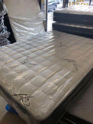 queen mattress with box for Sale in San Bernardino, CA