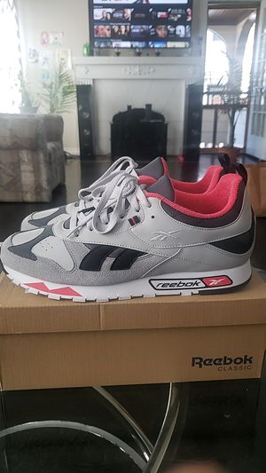 Reebok CL Leather RC 1.0 (Size 12) for Sale in Cleveland, OH