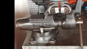 "Vintage Wilton 4-1/2"" Bullet Bench Vise With Swivel Base And Pipe Jaws - Made In USA for Sale in Orange, CA"
