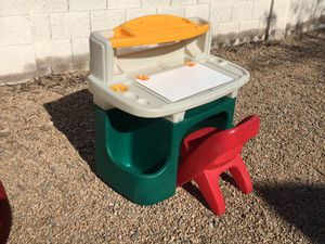 STEP 2 DELUXE ART MASTER KID DESK for Sale in Peoria, AZ