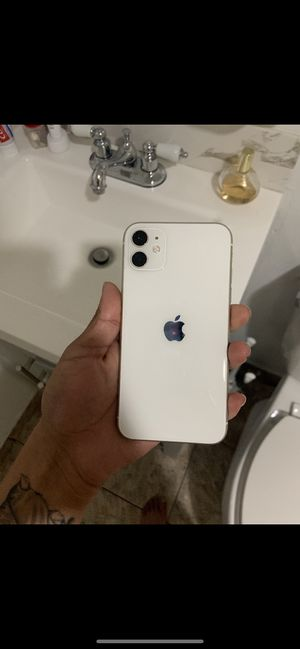 iPhone 11 unlocked 128gb for Sale in Redwood City, CA