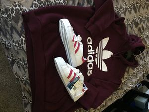 Adidas superstar shoes and adidas hoodie for Sale in Las Vegas, NV