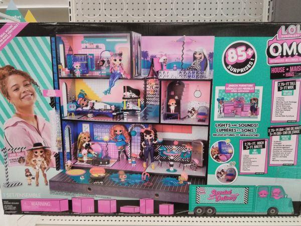 Lol Dollhouse w/ accessories