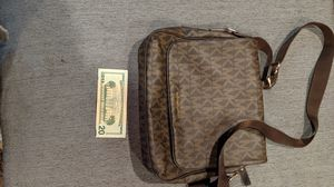 Michael Kors Messenger Monogram Bag for Sale in Lemon Grove, CA