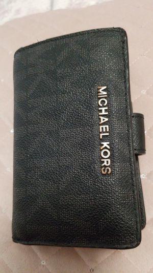 MICHAEL KORS SMALL WALLET for Sale in Riverside, CA