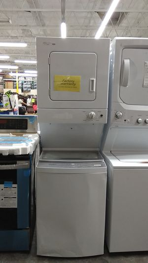 Whirlpool white laundry washer & gas dryer , stacked!! for Sale in West Covina, CA