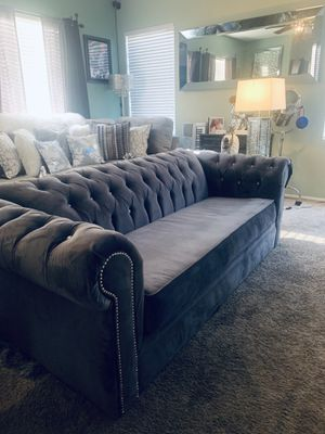Gray Modern Tufted Sofa Couch With Rhinestone and Crome Nail-head Design for Sale in Las Vegas, NV