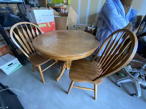 Wood kitchen table for Sale in Apple Valley, CA