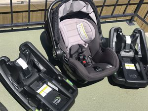Baby Jogger infant car seat with two bases for Sale in San Diego, CA