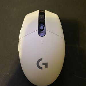 Logitech Wireless Gaming Mouse G305 for Sale in Queens, NY