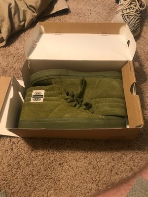 Supreme vans size 10 pretty much new flaws in pics!! Offer me for Sale in Houston, TX