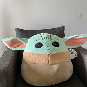 20 inch Baby Yoda Squishmallow for Sale in Fresno, CA