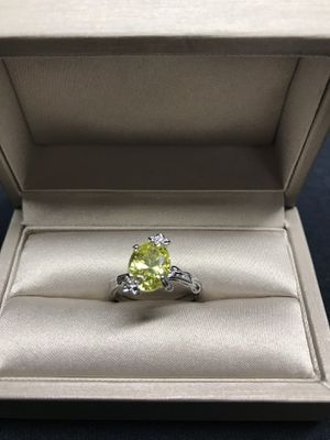 Sterling silver yellow lime crystal stone ring Sz7 for Sale in Addison, IL