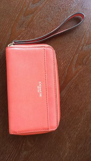 Pink leather Coach wristlet / wallet for Sale in Chicago, IL